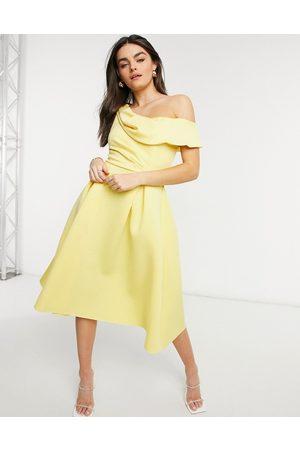 ASOS Senhora Vestidos de Festa - Drape fallen shoulder midi skater prom dress in lemon-Yellow