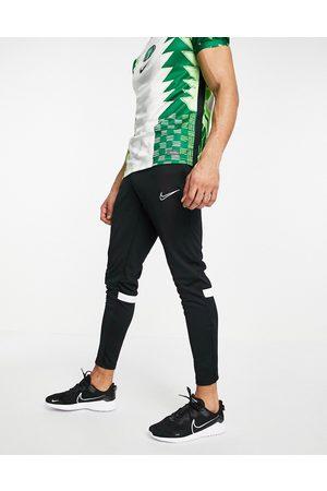 Nike Homem Joggers - Academy joggers In black