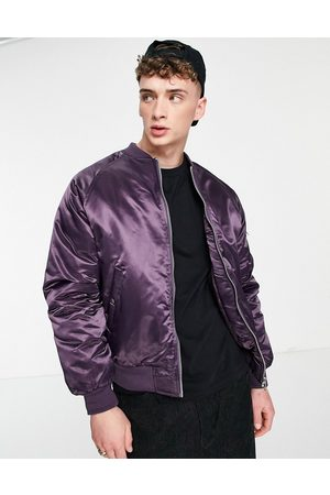 ASOS Homem Casacos de Inverno - Padded bomber jacket with MA1 pocket in high shine purple