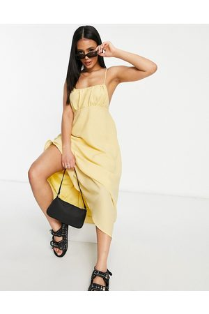 Missguided Senhora Vestidos Midi - Strappy midi dress with gathered bust in yellow
