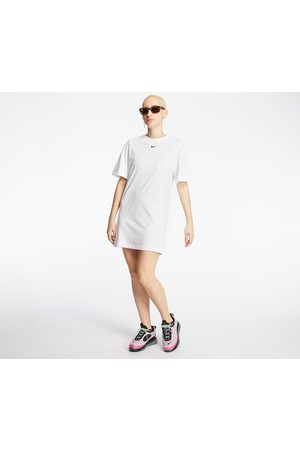 Nike Sportswear Essential Dress / Black