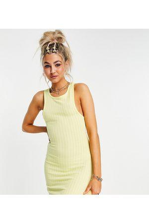 COLLUSION Senhora Vestidos de Verão - Ribbed dress in yellow