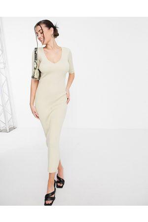 Pretty Lavish Senhora Vestidos de Festa - Lara short sleeve knit midi dress in beige-Neutral