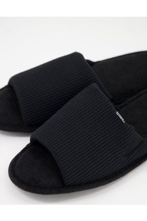 Totes Waffle strap open toe slippers in black