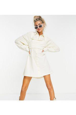 COLLUSION Senhora Vestidos Casual - Textured mini shirt dress with frill crop top in cream-White