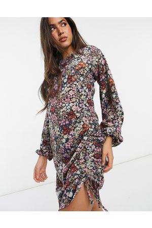 VERO MODA Senhora Vestidos Casual - Bodycon mini dress with ruching detail in mixed floral-Pink