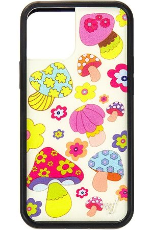 Wildflower 12/12 Pro Case in - Pink. Size all.