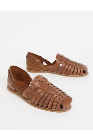 ASOS Homem Sandálias - Woven sandals in tan leather-Brown