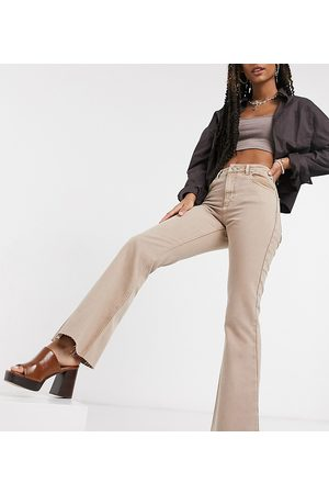 Reclaimed Vintage Inspired '99 flare jean in washed sand-Neutral