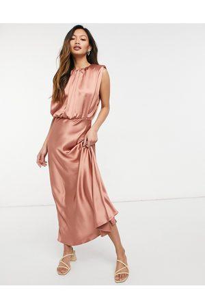 ASOS Senhora Vestidos de Festa - Sleeveless satin midi dress in blush-Pink