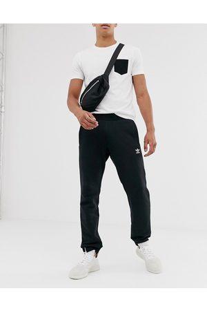 adidas Originals Homem Joggers - Essentials logo joggers in black