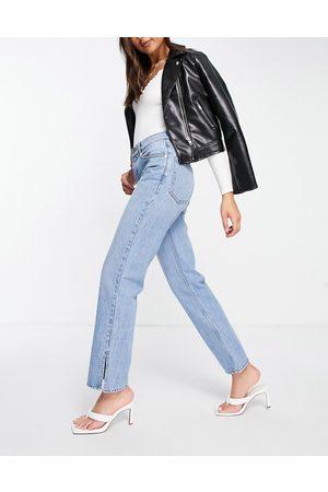 ASOS Senhora Retos - Low rise straight leg jeans in midwash with split hem-Blue