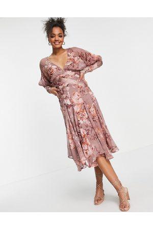 ASOS Senhora Vestidos de Festa - Floral midi dress with pleated satin detail-Pink