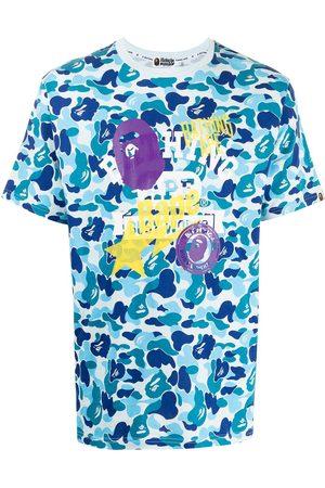 A Bathing Ape Homem T-shirts & Manga Curta - Graphic-print camouflage T-shirt