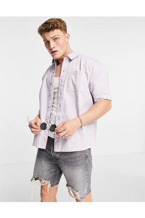 New Look Homem Manga curta - Short sleeve boxy shirt in lilac-Purple