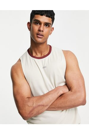 ASOS 4505 Training sleeveless t-shirt with dropped armhole and contrast trim-White