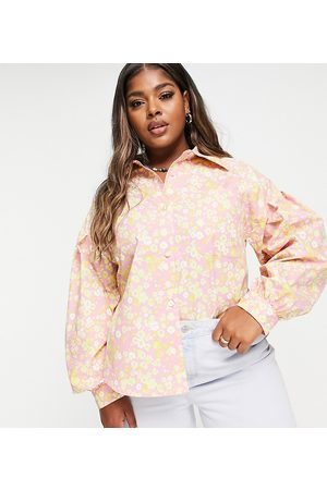 Lost Ink Plus Senhora Casual - Oversized shirt with balloon sleeves in retro floral print-Multi