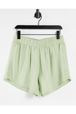 Envii Senhora Calções - Calamint shorts co-ord in green-Brown