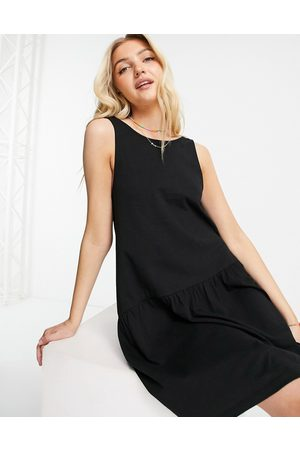 ASOS DESIGN Senhora Vestidos Casual - Sleeveless smock dress with v back in black