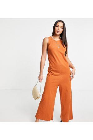 ASOS Senhora Macacões Curtos - ASOS DESIGN Tall minimal sleeveless jumpsuit in rust-Brown