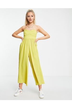 ASOS Mulher Macacões Curtos - Textured bandeau jumpsuit in chartreuse-Green