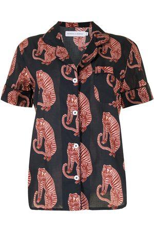 Desmond & Dempsey Tiger-print pyjama set