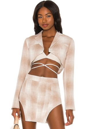 KIM SHUI Cropped Linen Blazer in - Taupe. Size L (also in XS, S, M).