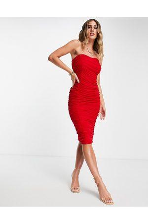 ASOS DESIGN Senhora Vestidos de Festa - Bandeau contoured mesh ruched midi dress in red