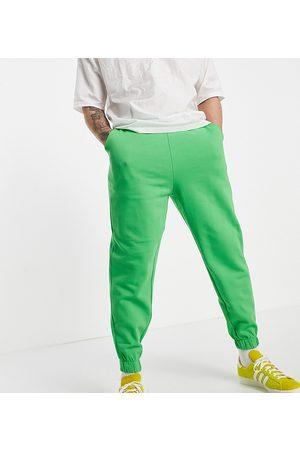 ASOS DESIGN Homem Joggers - Organic oversized joggers in green