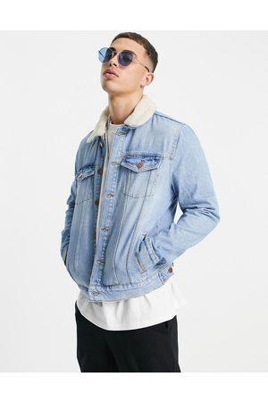 River Island Homem Casacos - Denim jacket with borg collar in blue