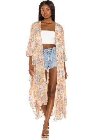 Free People Senhora Quimonos - Into The Wild Kimono in - Peach. Size L (also in XS, S, M, XL).