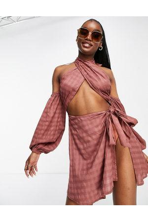 ASOS Senhora Vestidos de Praia - Cross neck wrap beach dress in chocolate-Brown