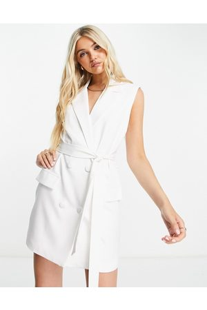 In The Style X Billie Faiers sleeveless tuxedo dress with belt in white