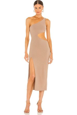 h:ours Almira Midi Dress in - Nude. Size L (also in XXS, XS, S, M, XL).