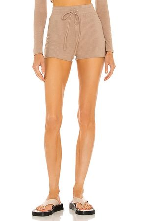 h:ours Almira Shorts in - Tan. Size L (also in XXS, XS, S, M, XL).