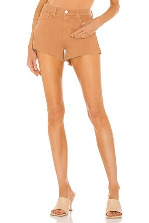 L'Agence Audrey Mid Rise Short in - Tan. Size 23 (also in 24, 25, 26, 27, 28, 29, 30).