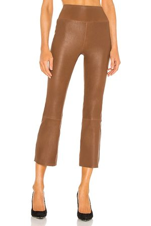 SPRWMN Senhora Leggings & Treggings - Crop Flare Legging in - Brown. Size L (also in M, S, XS).