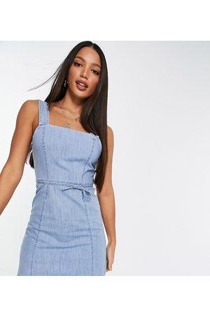 ASOS Senhora Vestidos Casual - ASOS DESIGN Tall soft denim mini pinny dress in midwash-Blue