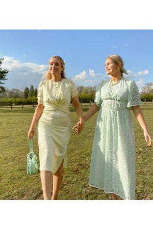Labelrail Senhora Vestidos Casual - X Olivia & Alice midi wrap dress in spot satin-Yellow