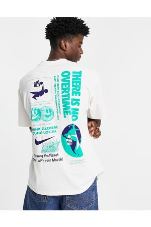 Nike Homem T-shirts & Manga Curta - Sustainability back print t-shirt in off white