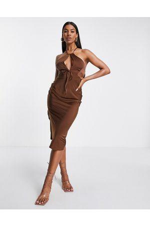 ASOS Senhora Vestidos de Festa - Halter satin midi dress with keyhole detail in chocolate-Brown