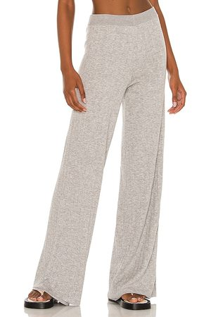 Weekend Stories Larsen Lounge Pant in - Grey. Size L (also in M, S, XL, XS, XXS).