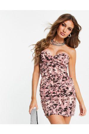 ASOS Senhora Vestidos de Festa - Satin bandeau mini dress with raw edge ruffle trim in pink leopard animal print-Multi