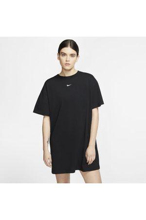 Nike Vestido Sportswear Essential para mulher