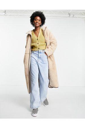 ASOS Senhora Polares - Fleece coat with contrast stitching in camel-White