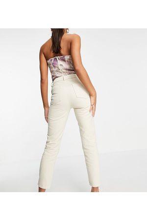 AsYou Slim mom jean in bone white