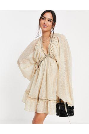 ASOS DESIGN Senhora Vestidos de Festa - Textured midi smock dress with blouson sleeve in stone-Neutral