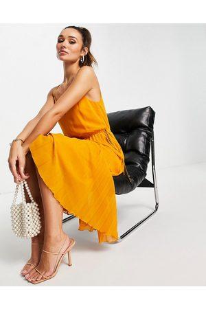 ASOS DESIGN Senhora Vestidos de Festa - Pleated cami midi dress with drawstring waist in mustard-Yellow