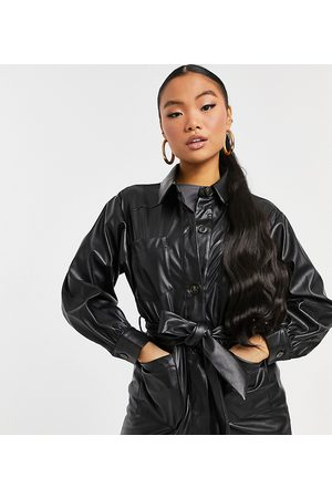 ASOS ASOS DESIGN Petite waisted leather look shacket in black