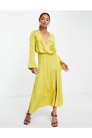 ASOS Mulher Vestidos de Festa - Bias cut drape midi dress with button detail in mustard-Yellow